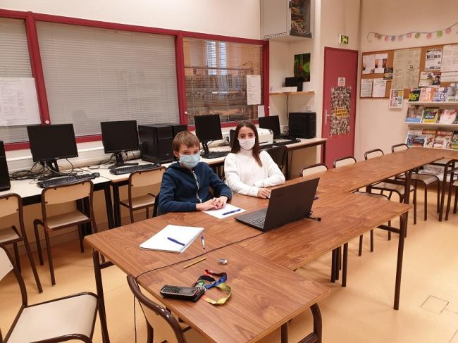 Visuel : Des élèves Maristes au conseil départemental de la Drôme