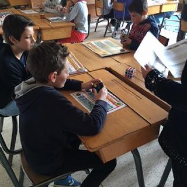 Visuel : Quand les différences s'ajoutent pour ne faire qu'un dans l'apprentissage et le partage autour d'un Rubik's