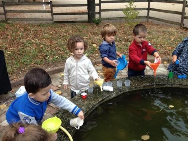 Visuel : De l'eau et des bulles en petite section clémentine