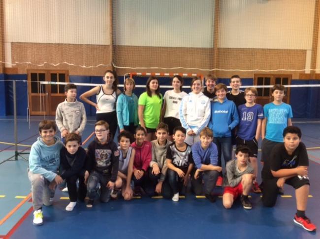 Visuel : Présentation des élèves de l'association sportive Badminton 2016 / 2017